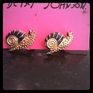 Betsey Johnson snail 🐌 earnings